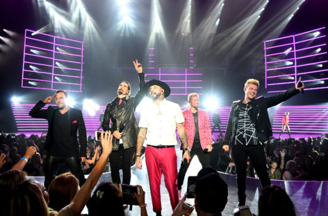 5 Awesome Celebrities to See in Vegas